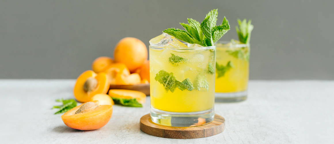 bulleit bourbon, apricot, mint, lemon and soda