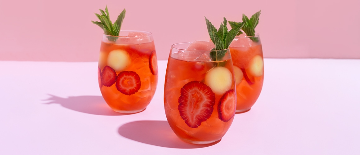 rosé, aperol, elderflower, honeydew melon, fresh strawberries, mint, soda and frosé.